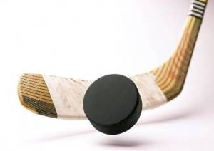 hockey_stick_and_a_puck