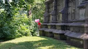 Cemetery clown