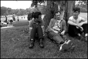 USA. New York City. 1959. Brooklyn Gang. Junior (L) with Bruce Davidson and unidentified person (R) in prospect park. 1959.